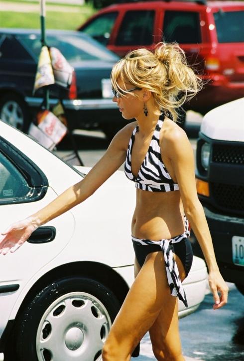 BikiniCarWash12